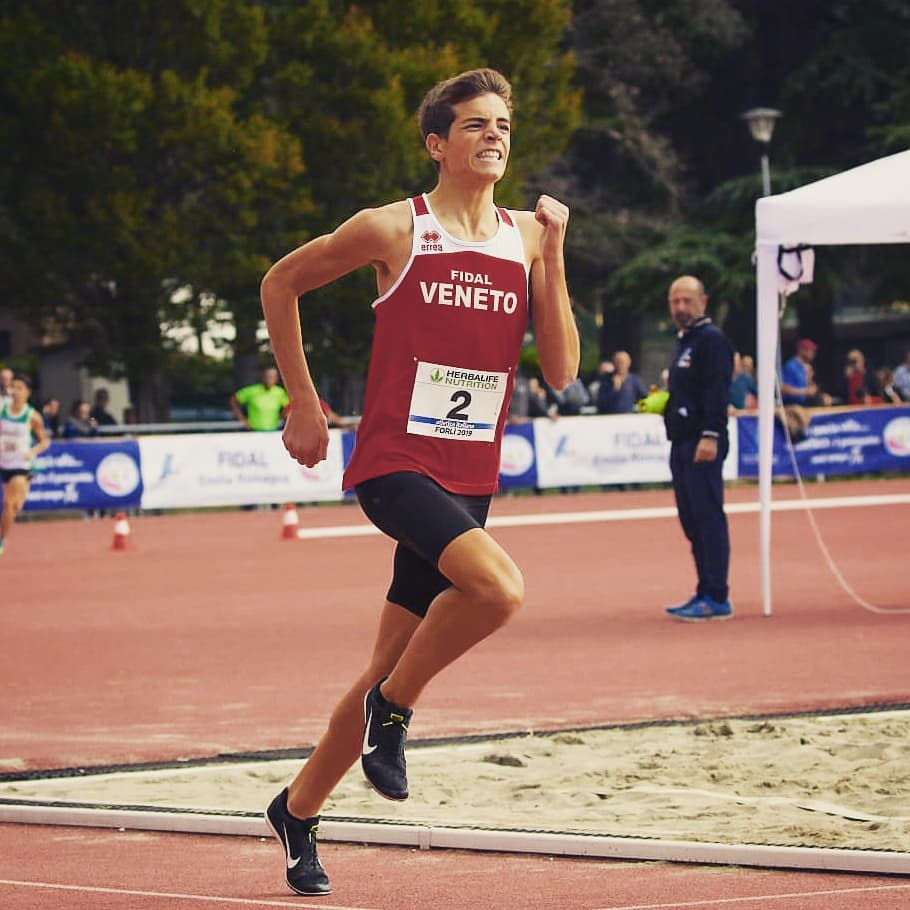lazzaro-campione-italiano-1000m.jpg